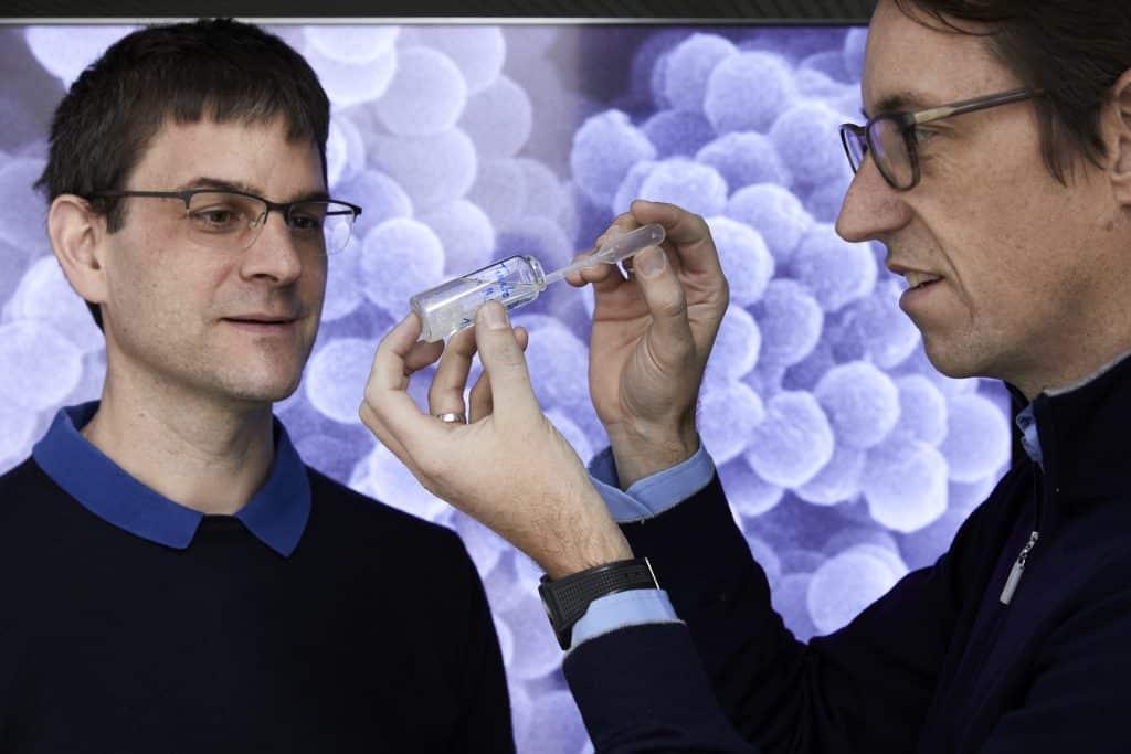 Wendelin Stark (Schweiz) und Robert N. Grass (Österreich) - Verkapselungstechnologie, mit der Daten in winzigen Glaskugeln eingeschlossen werden | Foto: EPO